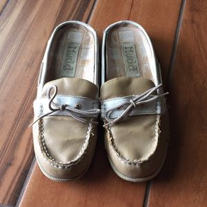 Mudd boat slip on shoes